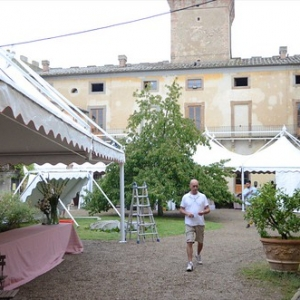 "Allestimento copertura San casciano • <a style=""font-size:0.8em;"" href=""http://www.flickr.com/photos/98039861@N02/16195230207/"" target=""_blank"">View on Flickr</a>"